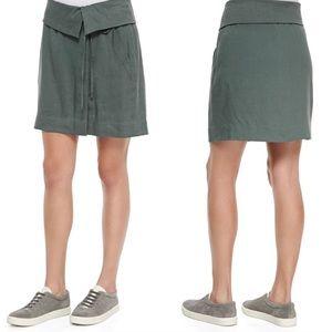 Vince Foldover Waistband Linen Skirt in Army Green